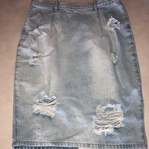 Very sexy vintage distressed jeans skirt. Look